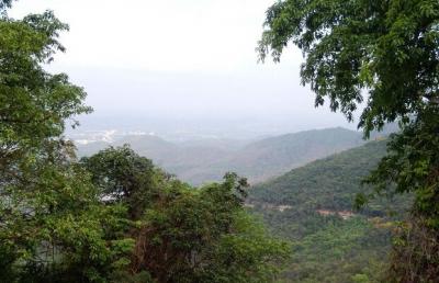 国家森林公园--昌江保梅岭登山活动